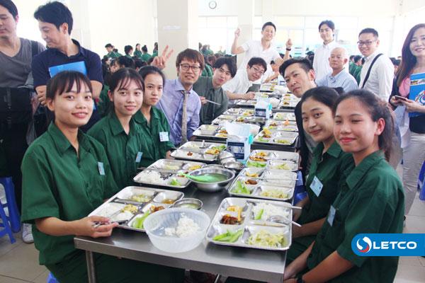 Đoàn công tác Nhật Bản dùng bữa trưa cùng Thực tập sinh LETCO