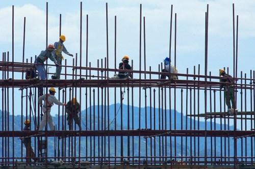 Lao động xuất khẩu Thái Lan được hưởng quyền lợi như người bản địa