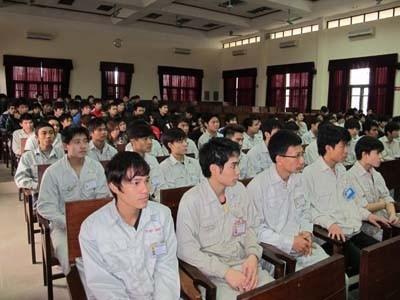 """""""Hội thảo tư vấn nghề"""" cho sinh viên Trung tâm Việt Nhật"""