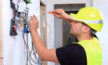 Tuyển gấp 05 thợ điện làm việc tại UAE